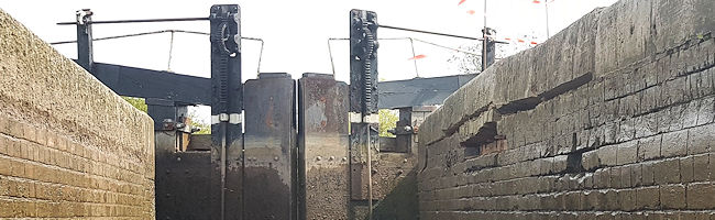 Hurleston damaged lock wall