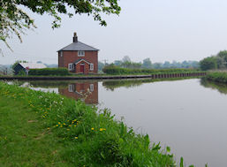 Lengthsman's cottage on the Llangollen Canal